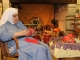 3-Sr-Pracede-distribue-les-cadeaux-de-l-Epiphanie