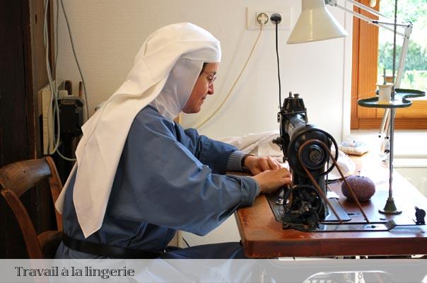 Travail des soeurs, la couture