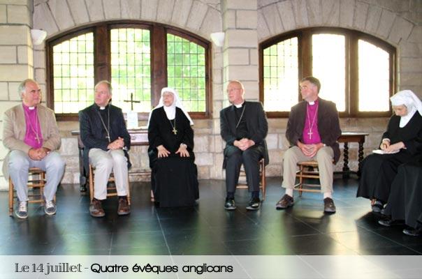 quatre évêques anglicans – en retraite annuelle à l'abbaye – viennent nous rendre visite.