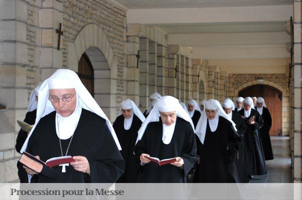 Procession des soeurs