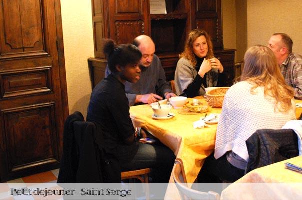 Petit déjeuner à saint Serge