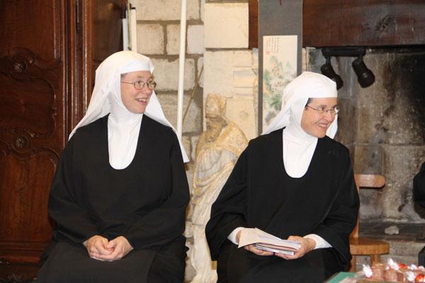 Soeur Marie-Madeleine et soeur Marie-Bénédicte