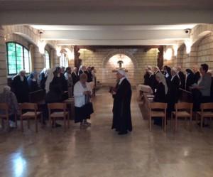 Les délégués de la CIB à l'oratoire du monastère sainte Françoise Romaine