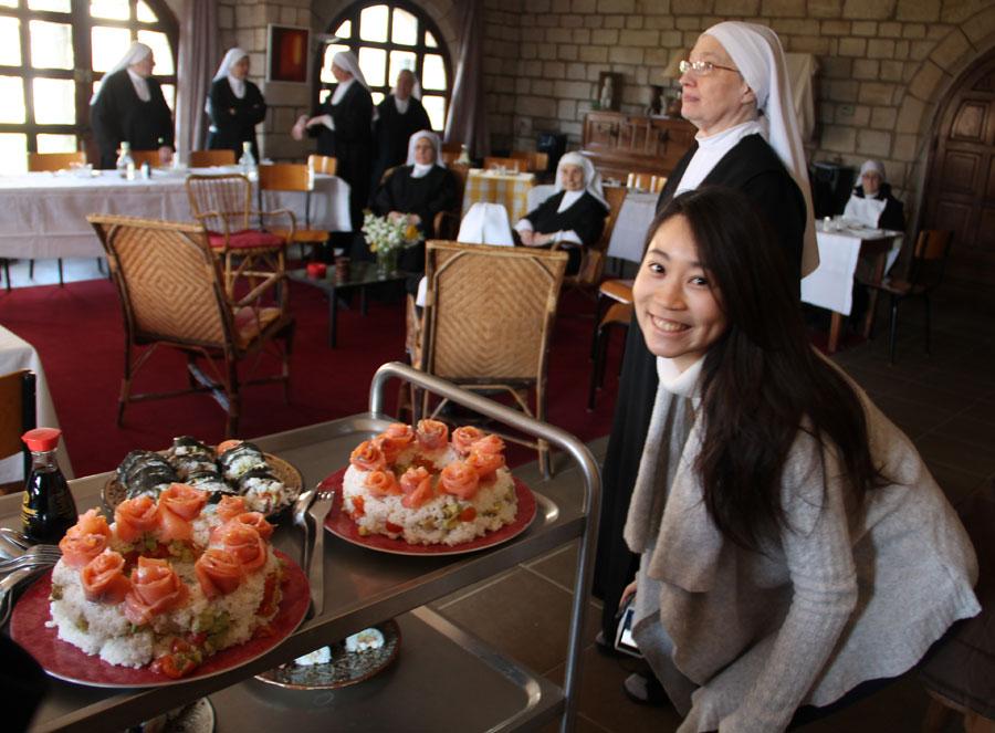 dejeuner-de-la-gratitude-de-khana