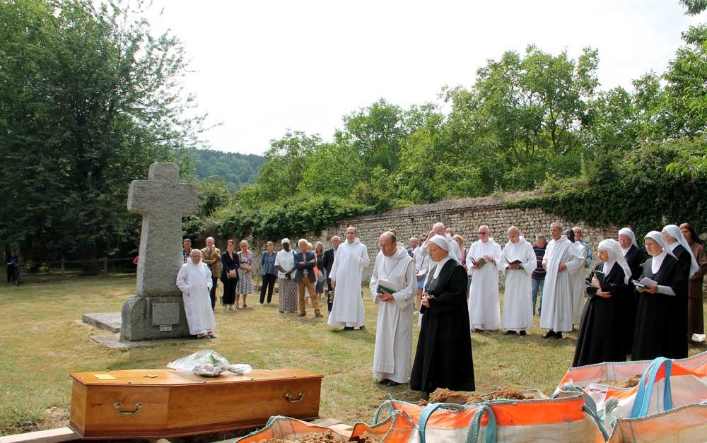 Obsèques de Soeur Benoîte
