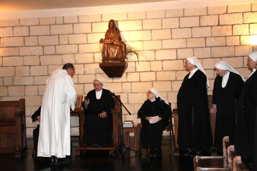 06.-installation-de-Mère-Marielle-comme-prieure-au-chapitre-29