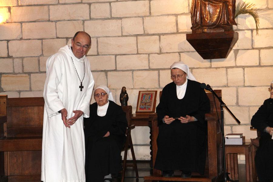 06.2-installation-de-Mère-Marielle-comme-prieure-au-chapitre-29